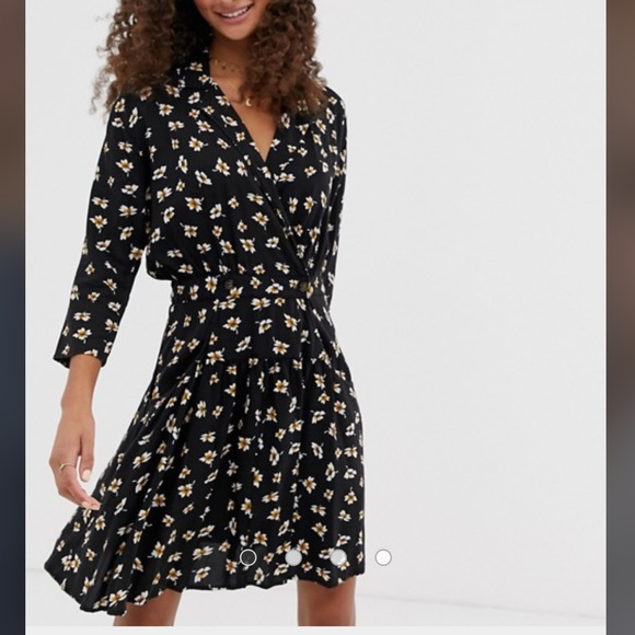 ASOS Dresses & Skirts - ASOS casual wrap mini tea dress ditsy floral